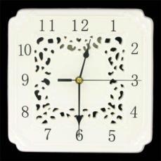 % Creamware Clock