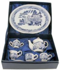 % Miniature 'Willow' Pattern Tea Set