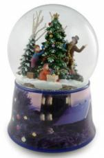 Twinkle Family Decorating Tree Snowglobe (Tune: White Christmas)